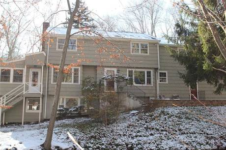 Single Family Home Sold in Fairfield CT 06825. Colonial house near river side waterfront with 3 car garage.