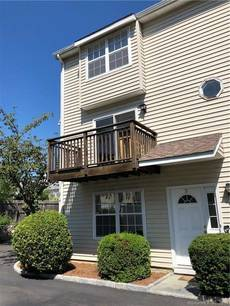 Condo Home For Rent in Stamford CT 06902.  townhouse near waterfront.