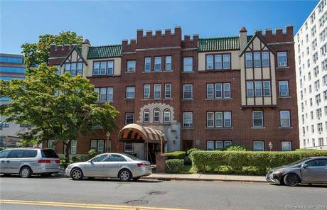 Condo Home Sold in Stamford CT 06902. Old ranch house near waterfront.