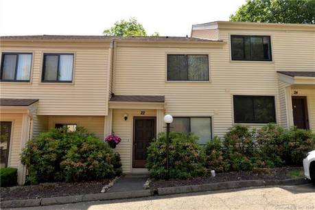 Condo Home For Sale in Bethel CT 06801.  townhouse near waterfront with swimming pool.