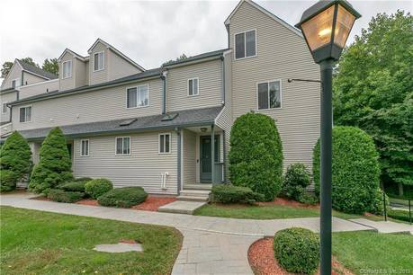 Condo Home Sold in Shelton CT 06484.  townhouse near waterfront with 2 car garage.