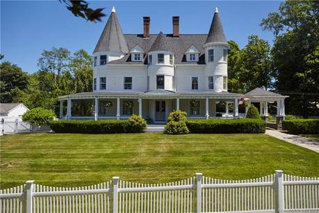 Single Family Home Sold in Fairfield CT 06825. Old victorian, antique house near beach side waterfront.