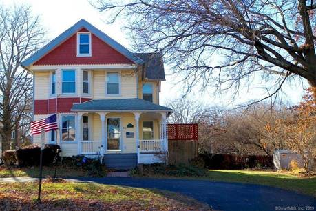 Single Family Home Sold in Stratford CT 06614. Old victorian, colonial house near waterfront with 1 car garage.