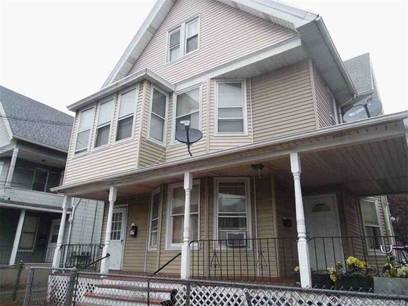 Multi Family Home Sold in Bridgeport CT 06606. Old  house near waterfront.