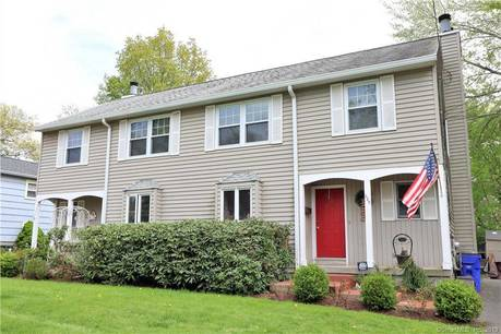 Multi Family Home Sold in Fairfield CT 06824.  house near beach side waterfront.