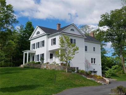 Single Family Home Sold in Ridgefield CT 06877. Colonial house near waterfront with 2 car garage.