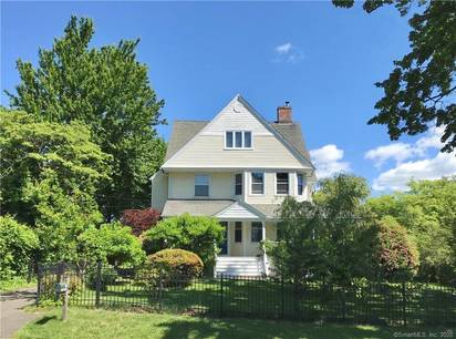 Single Family Home Sold in Darien CT 06820. Old victorian, colonial house near waterfront.