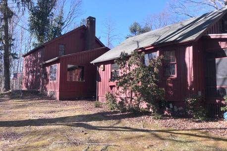 Foreclosure: Single Family Home Sold in Trumbull CT 06611. Old colonial house near waterfront with 3 car garage.
