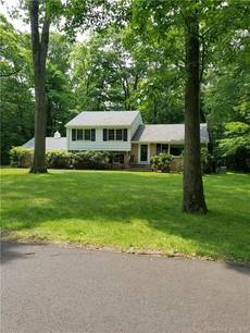 Single Family Home Sold in Norwalk CT 06850.  house near beach side waterfront with 1 car garage.