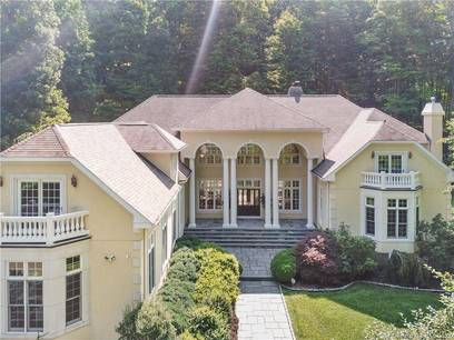 Single Family Home Sold in Weston CT 06883. Mediterranean, colonial house near waterfront with 4 car garage.