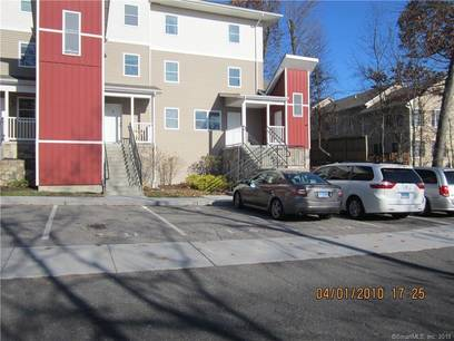 Condo Home For Sale in Danbury CT 06811.  townhouse near waterfront.