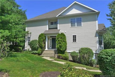 Foreclosure: Condo Home Sold in Danbury CT 06810.  townhouse near waterfront with 2 car garage.