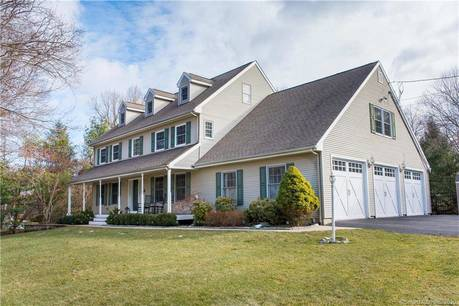 Single Family Home Sold in Shelton CT 06484. Colonial house near lake side waterfront with swimming pool and 3 car garage.