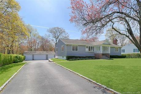 Single Family Home Sold in Fairfield CT 06825. Ranch house near waterfront with swimming pool and 4 car garage.