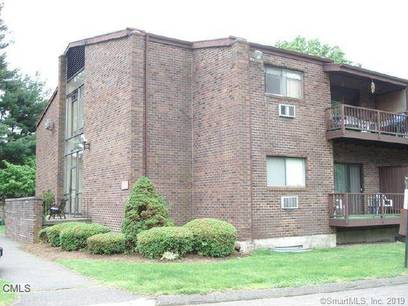 Condo Home Sold in Stratford CT 06614. Ranch house near waterfront with 2 car garage.