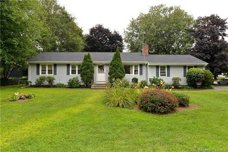 Single Family Home Sold in Stratford CT 06614. Ranch house near beach side waterfront.