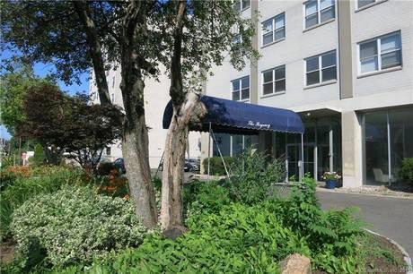 Condo Home Sold in Bridgeport CT 06604.  studio house near waterfront.