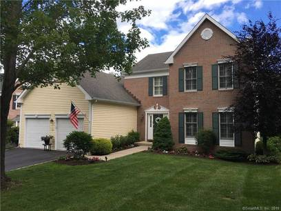 Condo Home Sold in Fairfield CT 06824.  house near waterfront with swimming pool and 2 car garage.