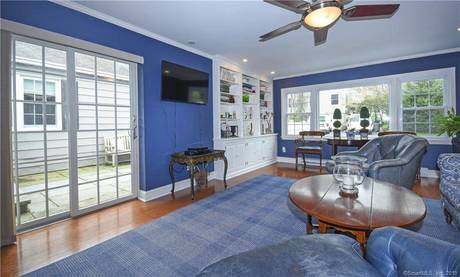Single Family Home Sold in Darien CT 06820. Ranch house near waterfront.