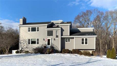 Single Family Home Sold in Shelton CT 06484. Contemporary, colonial house near waterfront with 2 car garage.
