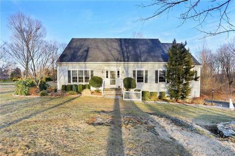 Single Family Home Sold in Easton CT 06612. Colonial cape cod house near waterfront with 2 car garage.