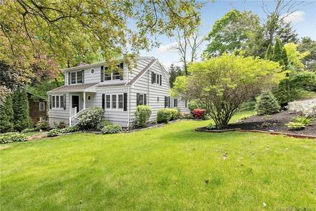 Single Family Home Sold in Trumbull CT 06611. Colonial house near river side waterfront with 2 car garage.