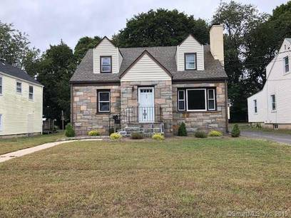 Multi Family Home Sold in Stamford CT 06905.  house near waterfront with 1 car garage.