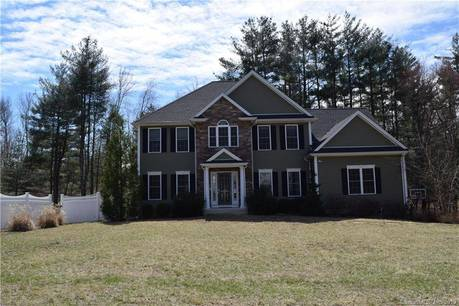 Single Family Home Sold in Newtown CT 06482. Colonial house near waterfront with swimming pool and 3 car garage.