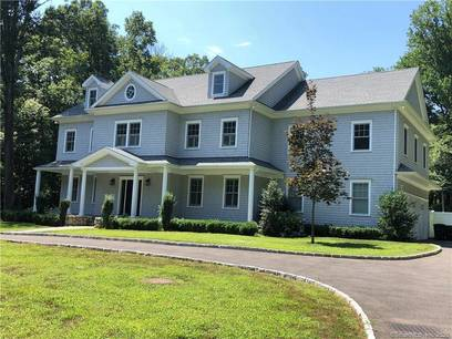 Single Family Home Sold in Stamford CT 06904. Colonial house near waterfront with 3 car garage.
