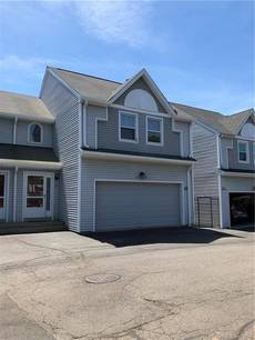 Condo Home Sold in Bridgeport CT 06604.  townhouse near beach side waterfront with 2 car garage.