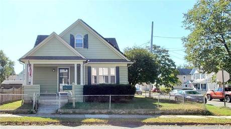 Single Family Home Sold in Stratford CT 06615. Old colonial cape cod house near waterfront with 2 car garage.