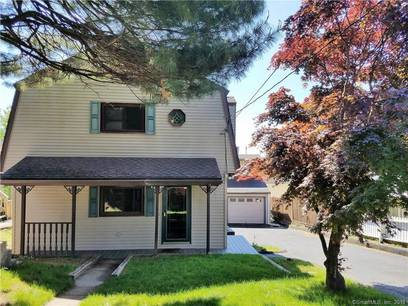 Single Family Home For Sale in Fairfield CT 06825. Colonial farm house near beach side waterfront with 1 car garage.