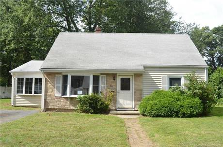 Foreclosure: Single Family Home Sold in Stratford CT 06614.  cape cod house near waterfront.