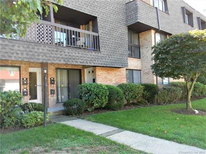 Condo Home Sold in Stamford CT 06905. Ranch house near waterfront.