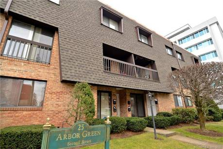 Condo Home Sold in Stamford CT 06905.  townhouse near beach side waterfront.