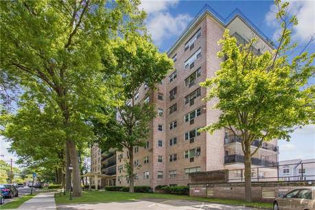 Condo Home Sold in Bridgeport CT 06604. Ranch house near waterfront.