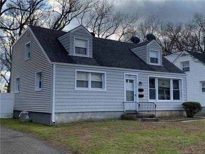 Multi Family Home For Rent in Stamford CT 06902.  cape cod house near waterfront.