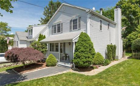 Single Family Home Sold in Westport CT 06880. Colonial house near beach side waterfront.
