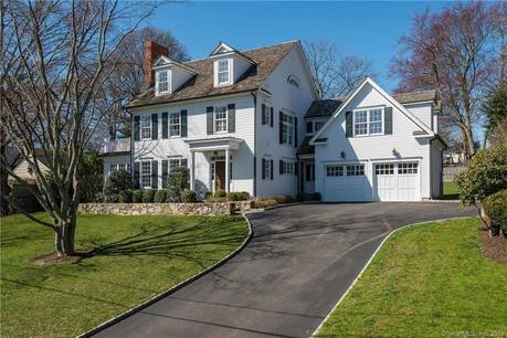 Luxury Single Family Home Sold in New Canaan CT 06840. Colonial house near waterfront with 2 car garage.