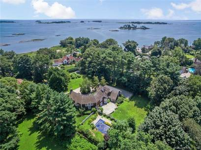 Foreclosure: Single Family Home Sold in Norwalk CT 06854. Colonial house near beach side waterfront with swimming pool and 2 car garage.