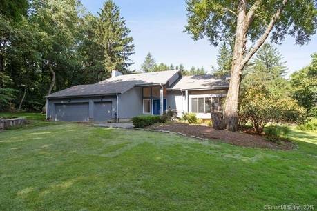 Single Family Home Sold in Norwalk CT 06851. Contemporary house near beach side waterfront with 3 car garage.