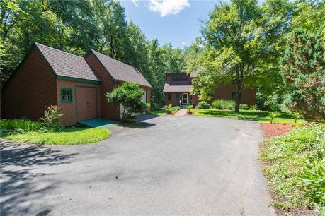 Single Family Home Sold in Newtown CT 06470. Contemporary house near river side waterfront with 2 car garage.