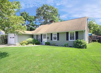 Single Family Home Sold in Norwalk CT 06851. Ranch house near waterfront with 1 car garage.
