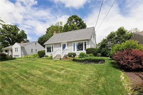Single Family Home Sold in Brookfield CT 06804.  cape cod house near beach side waterfront.