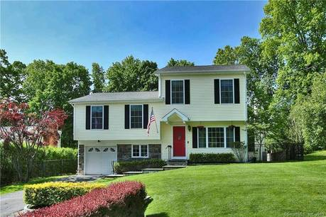Single Family Home Sold in Stamford CT 06902.  house near waterfront with 1 car garage.