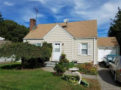 Short Sale: Single Family Home Sold in Trumbull CT 06611.  cape cod house near waterfront with 1 car garage.