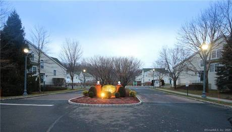 Condo Home For Rent in Danbury CT 06811.  townhouse near waterfront with swimming pool and 2 car garage.