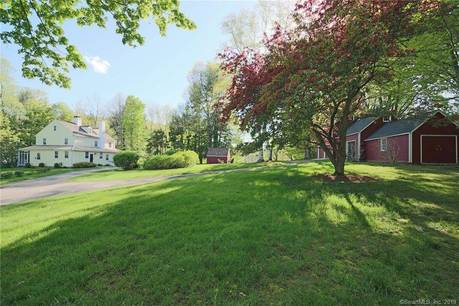 Single Family Home Sold in Ridgefield CT 06877. Old colonial, antique house near waterfront with 2 car garage.