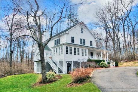 Single Family Home Sold in Norwalk CT 06850. Colonial house near waterfront.