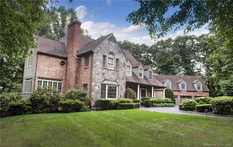 Single Family Home Sold in New Canaan CT 06840. Colonial house near waterfront with swimming pool and 3 car garage.